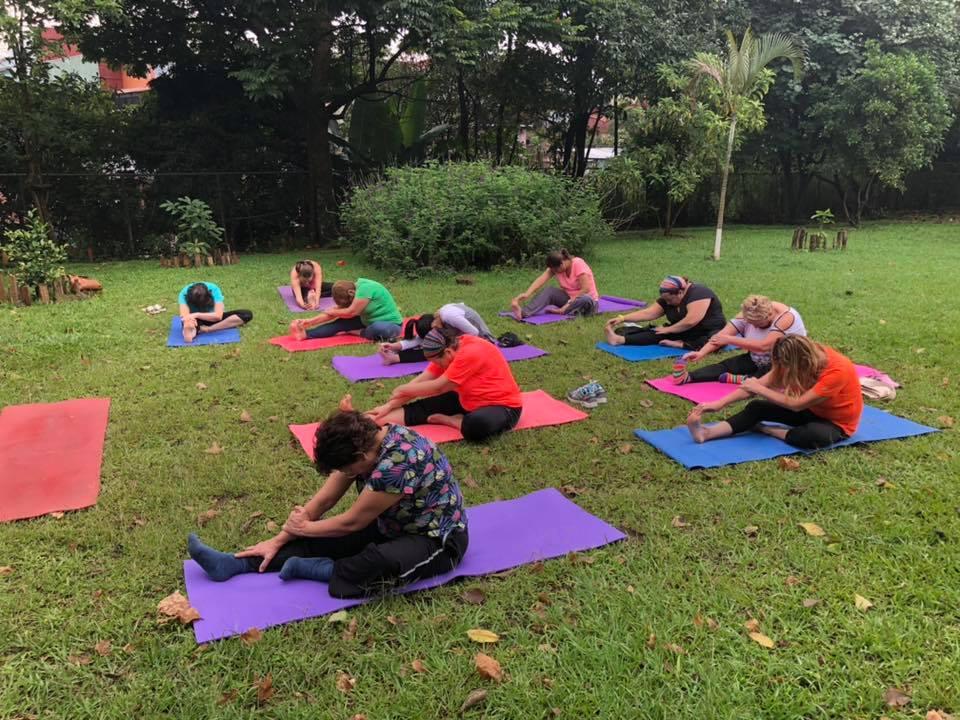 Clases de yoga en la josema curridabat yoguiando en casa vinicio z iga profesor certificado - Clases de yoga en casa ...